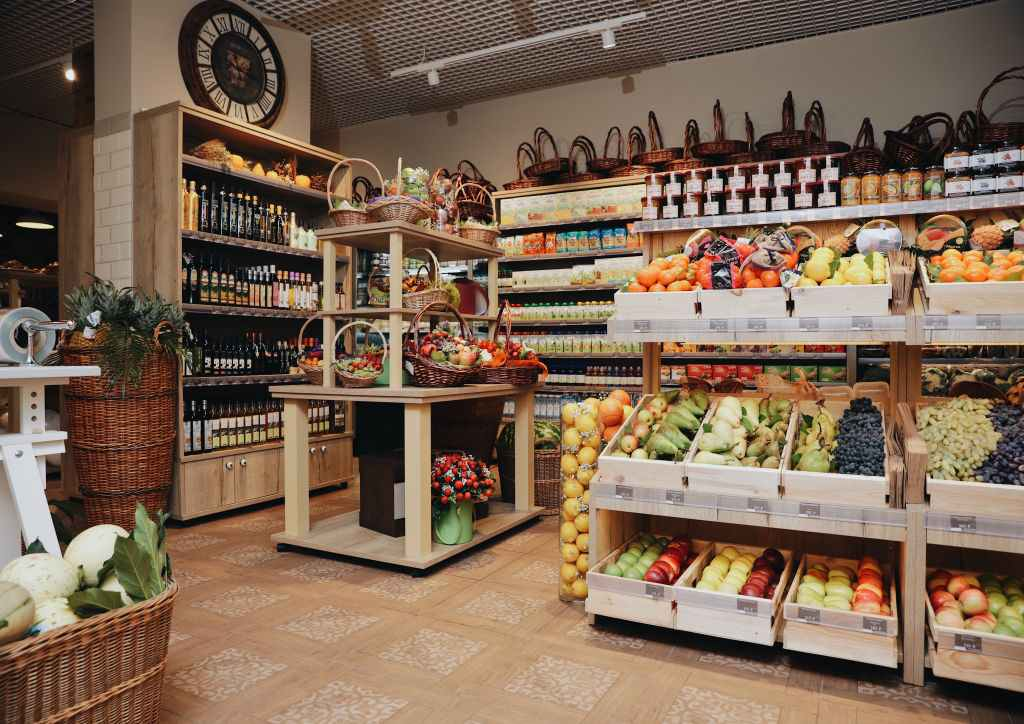 Продуктовый магазин Петербург