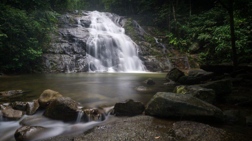 Тонна Водопад Чонг ФА