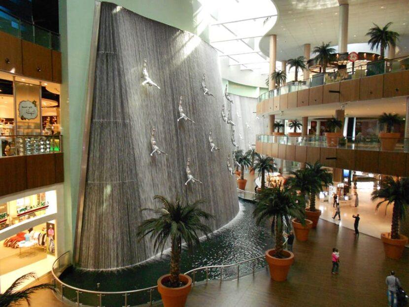 Водопад Дубай Молл