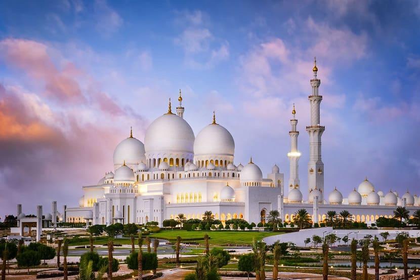 Мечеть шейха Зайда в Абу-Даби - краткое описание, цена, фото