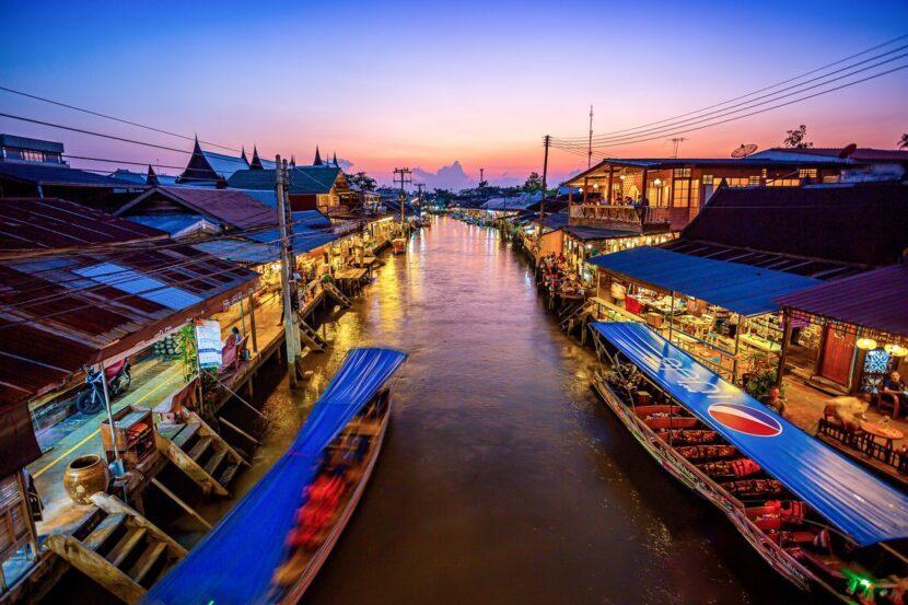 Наблюдение за светлячками, Бангкок