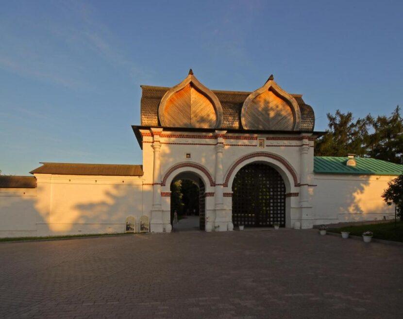 Спасские ворота или черный ход - Коломенское