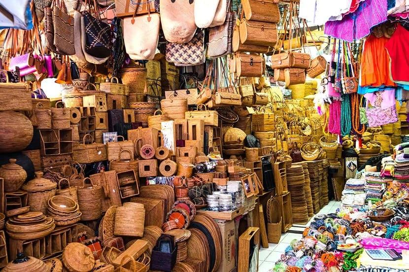 Убудский сувенирный рынок