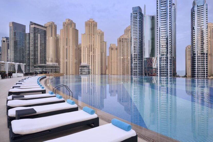 Дубай бассейн