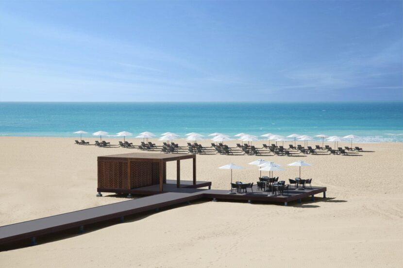 Пляж острова Аль Худайриат