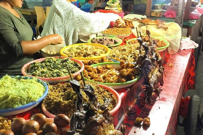 Саянский ночной рынок