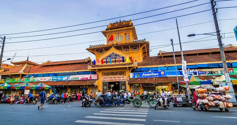food court of Binh Tai market