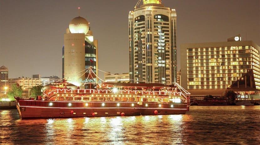 5-звездочный премиум-отель Rustar Dhow Cruise Dubai