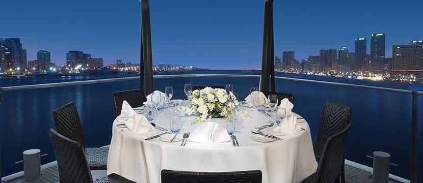 Плавучий ресторан Dubai Creek 'Jameela' с ужином круиз