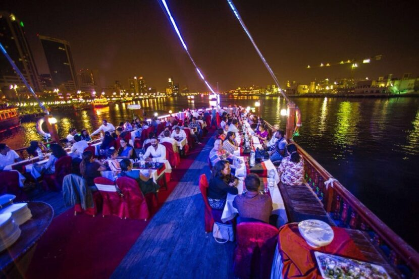 Dubai Dow dinner cruise