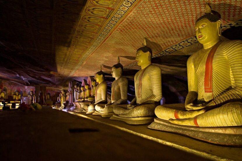 Dambulla Cave Temple, Kandy
