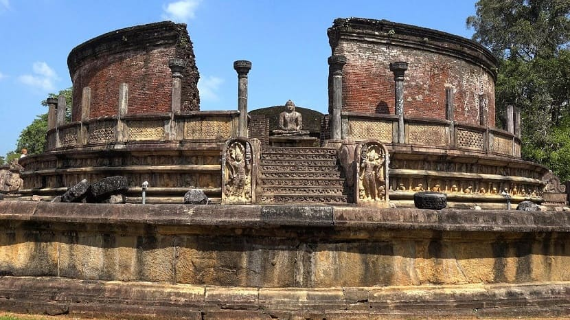 The Holy City of Polonnaruwa