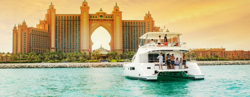 Роскошный тур на яхте по Дубаю