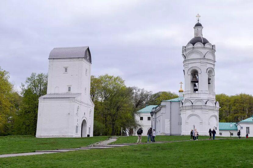 Водонапорная башня и церковь Святого Георгия Победоносца