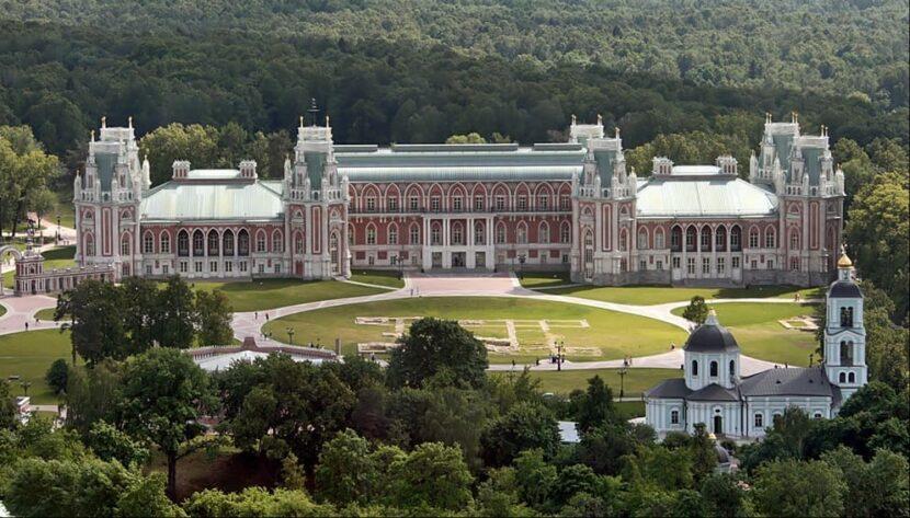 Царицынский дворец в Москве
