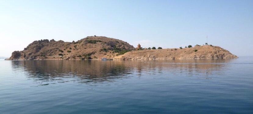 Озеро Ван вода