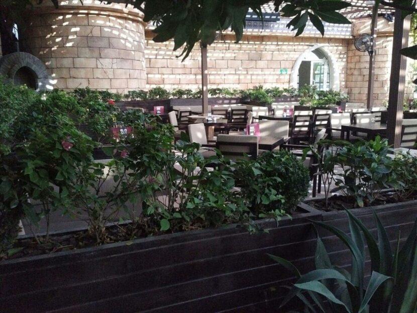 Al Dar Garden и кафе Paramiza