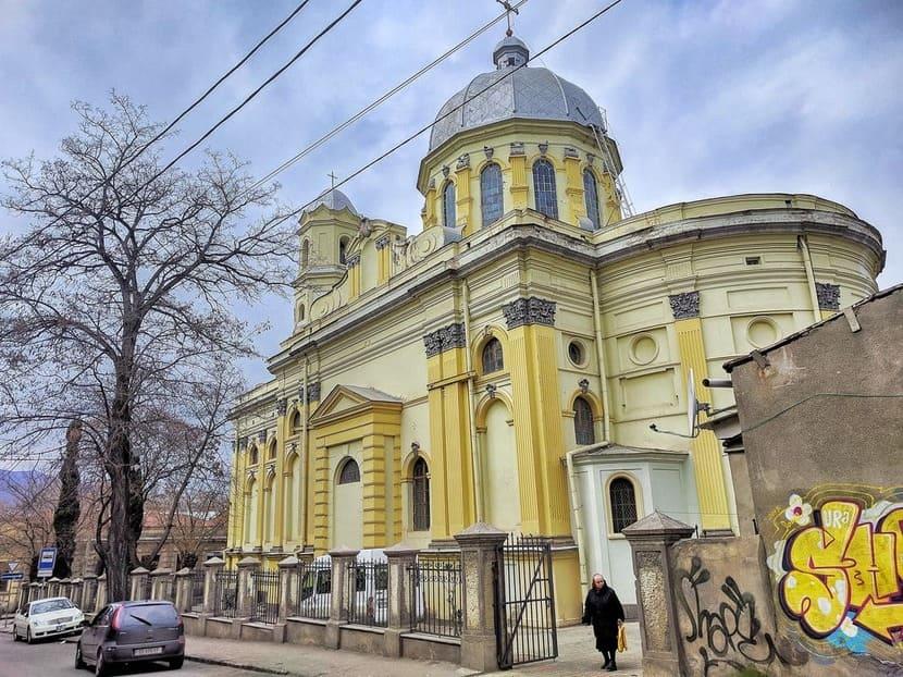 Римско-Католическую Церковь Святого Петра и Павла Тбилиси