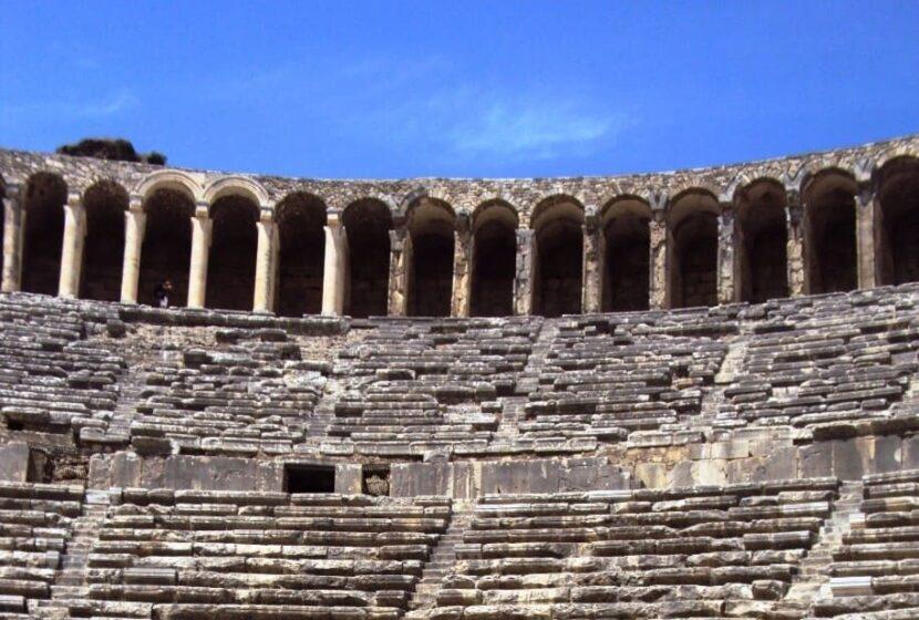 Амфитеатр древнего города