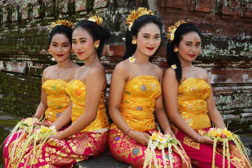 Местные Балийские красавицы