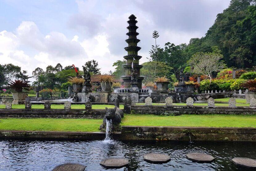 Водный дворец в Бали