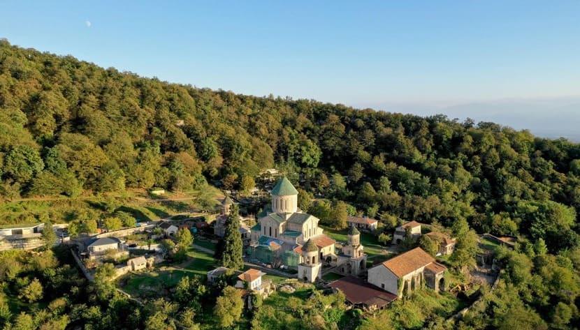 Дорога от Гелатского монастыря