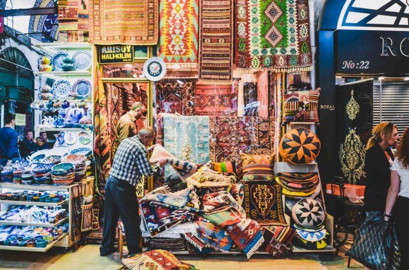 Блошиный Рынок В Шкафу