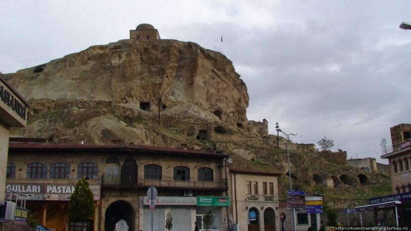 Холм Теменни