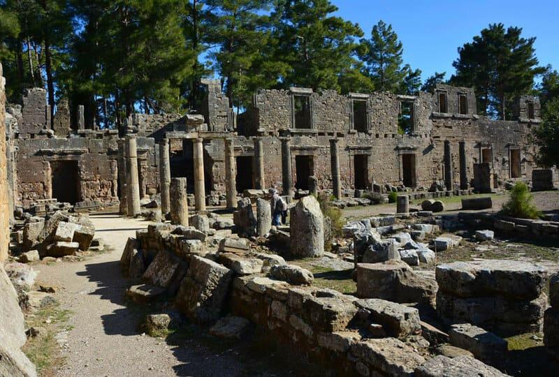 исторические руины древнего города Селевкия