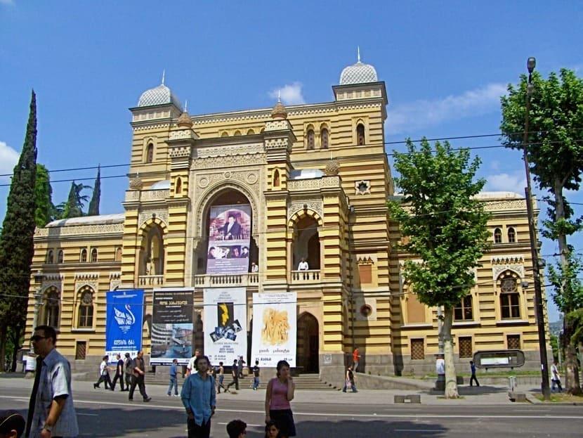 Тбилисскую оперу