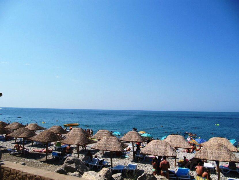 Лазаревский пляж «Дельфин»