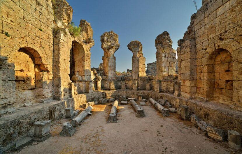 Римские сооружения Анталии