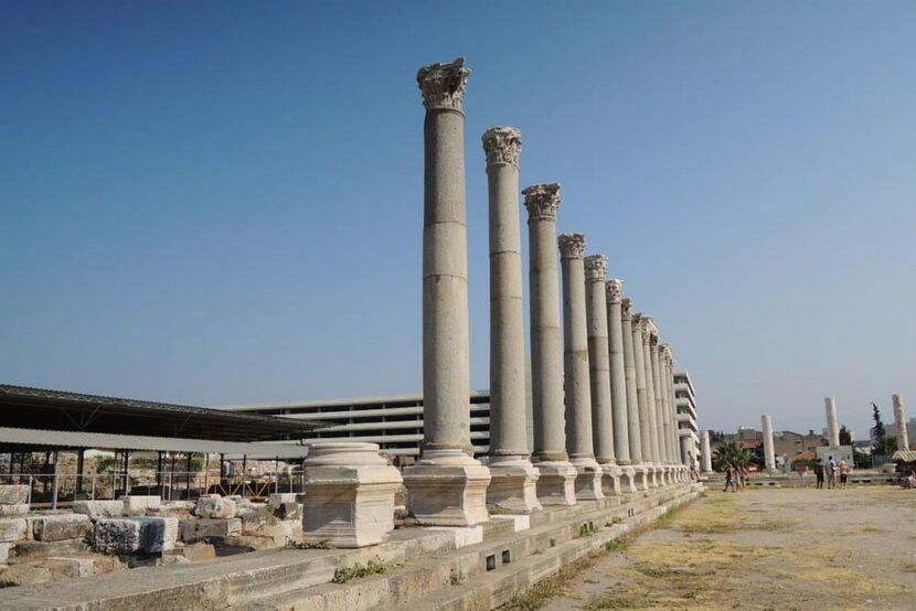 Агора в Измире