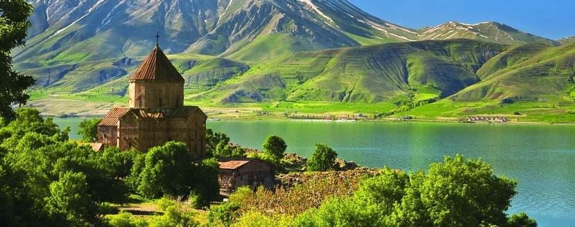 Озеро Ван церковь