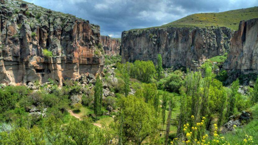 Долина Ихлар